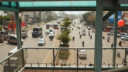 chi : Traffic in Ho Chi Minh City on the broad road
