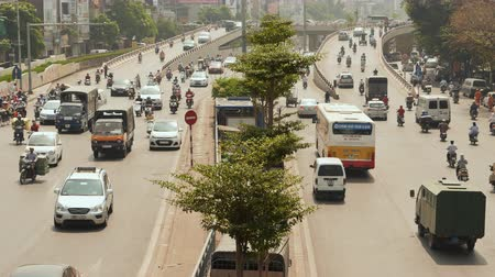 chi : Traffic in Ho Chi Minh City on the broad road.