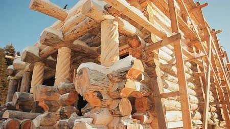 log cabin : Unterminated building. Canadian angle masonry. Canadian style. Wooden house made of logs.