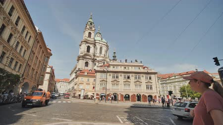 fővárosok : Prague, Czech Republic - August 5, 2018: Old Town and popular street in Prague, Czech Republic Stock mozgókép