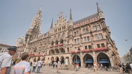 rathaus : Munich, Germany - August 5, 2018: New Town Hall on Marienplatz square in Munich.