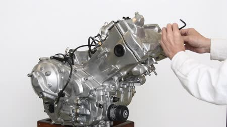 decomposition : Development of large-sized motorcycle engine