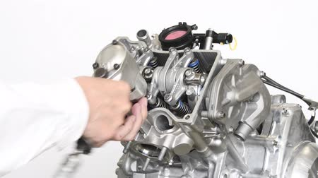 decomposition : Improvement of motorcycle engine