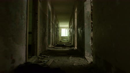 fantasma : Corridor in the abandoned house. Smooth and fast steady cam shot Stock Footage