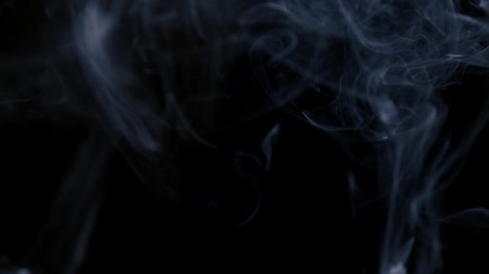 ürpertici : Blue Smoke Stok Video