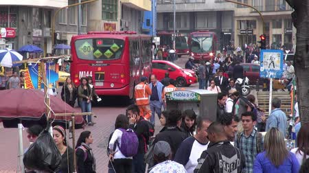 encruzilhada : Pedestrians, People Walking and Shopping, Buses