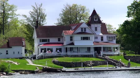 arrabaldes : Lake Houses, Summer Homes, Shorefronts