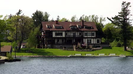 immobilien : Lake Huizen, Summer Homes, Shorefronts Stockvideo