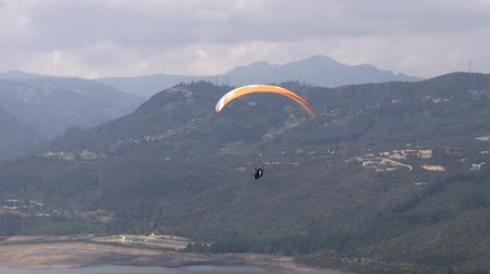 спокойные сцены : Tranquil, Peaceful, Calm, Paragliding, Extreme Sports