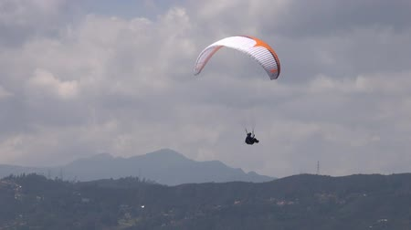 pára quedas : Parasailing, Paragliding, Skydiving, Flying Sports