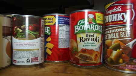 může : Canned Food, Junk Food, Preservatives