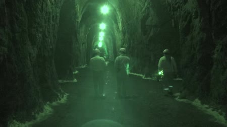 tehlike : Mines, Mineshafts, Tunnels, Caves, Caverns