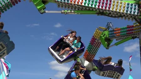 targi : Spinning, Amusement Park Rides, Fun, Leisure