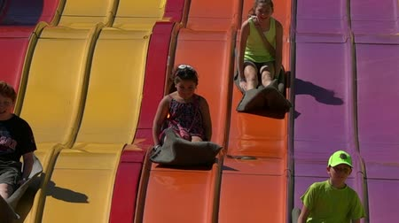 izgatott : Slides, Childrens Amusement Parks, Fun