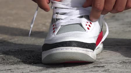 ayakkabı : Tie Shoes, Tying Shoe, Shoelaces Stok Video