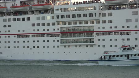 navio : Cruise Ship
