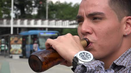 alkol : Man Male Beer Alcohol Stok Video
