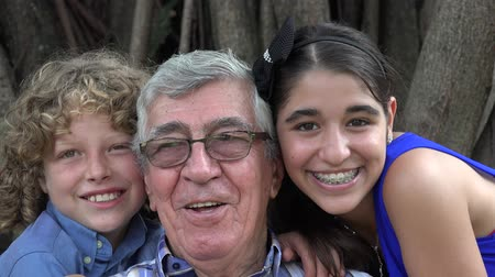 maço : Grandfather and Grand Kids Acting Silly