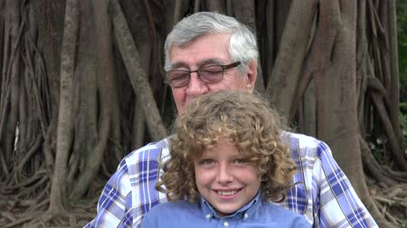 maço : Grandfather and Grandson Having Fun