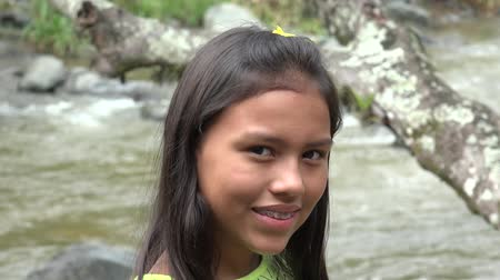 Колумбия : Smiling Hispanic  Girl with Braces