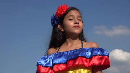 Колумбия : Sassy Girl Wearing Traditional Colombian Dress Стоковые видеозаписи