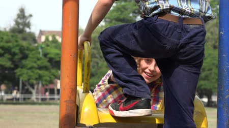 cimborák : Boys Playing on Slide