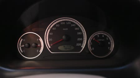 medir : Car Tachometer While Revving Stock Footage