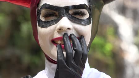 caracteres : Adorable Cosplay Female Jester Stock Footage