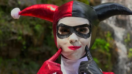 coringa : Pretty Cosplay Jester Girl Stock Footage