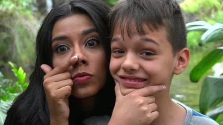ostoba : Single Mother And Son Funny Faces