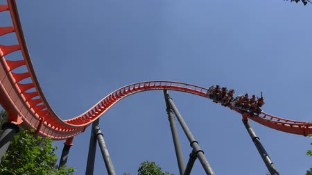 rolete : Having Fun On Roller Coaster Ride
