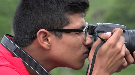 fotky : Teen Boy Using Digital Camera