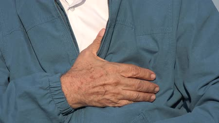seb : Elderly Man With Chest Pain Or Heart Condition Stock mozgókép