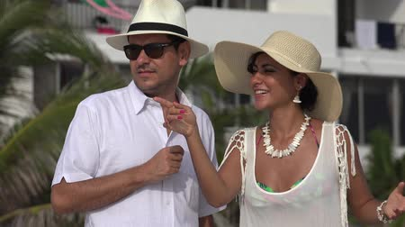 falar : Wealthy Married Couple Talking On Vacation Stock Footage