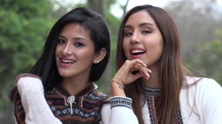 senhora : Smiling Peruvian Women Wearing Sweaters