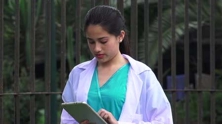 juventude : Young Female Nurse Stock Footage