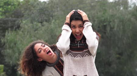cimborák : Hispanic Teen Girls Fun And Friendship
