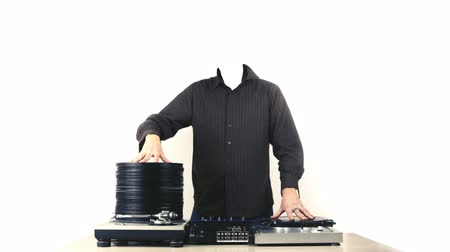 płyta winylowa : stopmotion animation of headless dj with piles of records growing and shrinking. Cool clubvj clip Wideo