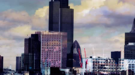 londra : view of london skyline, including the swiss re building Stok Video