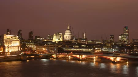 londra : st pauls cathedral, at night