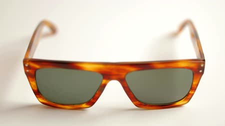 szemüveg : stopmotion of a collection of different amazing retro sunglasses