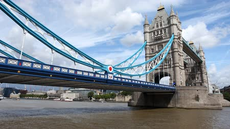 mosty : timelapse shot of tower bridge in london, on a nice summer day, london