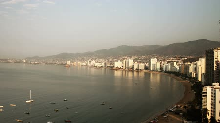 дорогой : timelapse of the huge bay of hotels stretching along the coast in acapulco, mexico