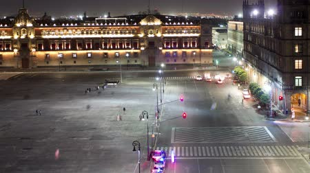 meksyk : time-lapse of the zocalo in mexico city, with the cathedral at night Wideo