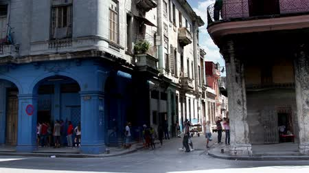 kübalı : timelapse of shadows passing over the low rise havana skyline cuba