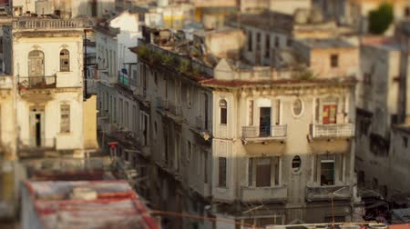 kuba : Timelapse of shadows passing over the low rise havana skyline Cuba Stock mozgókép