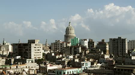 kuba : Timelapse of the havana skyline and capitolio building, Cuba Stock mozgókép