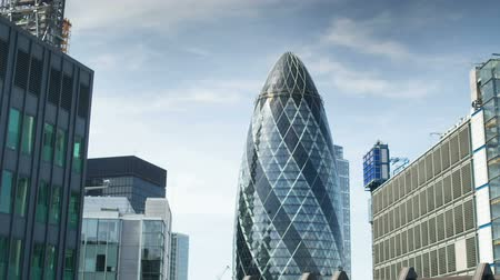 viagens de negócios : the Swiss RE buidlnig also known as the Gherkin in the financial heart of the city, london