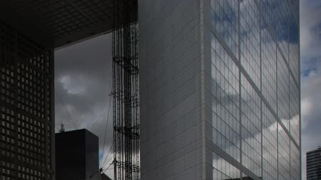 arche : Timelpase of the grande arche in la defence paris on a beautiful summers day Stock Footage
