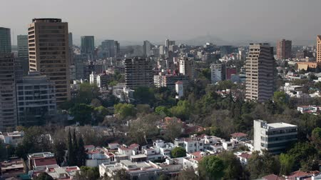 meksyk : a panning time-lapse of the mexico city skyline (polanco district)